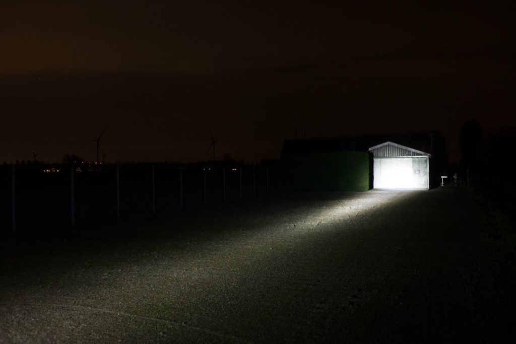 Lumintop FW21 X1L beam on shed