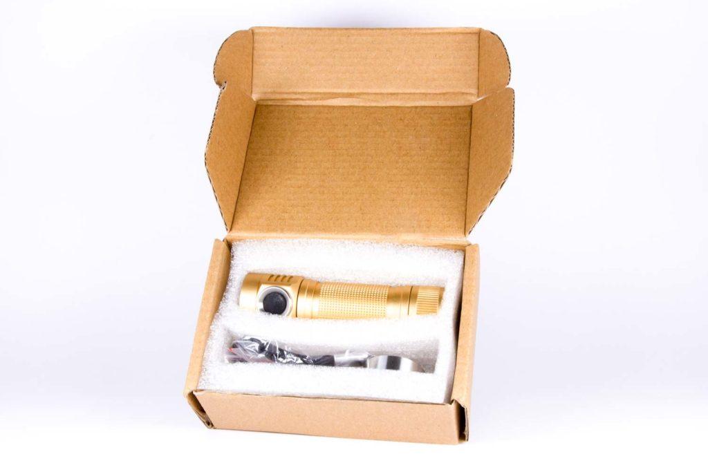 Emisar D4v2 packaging
