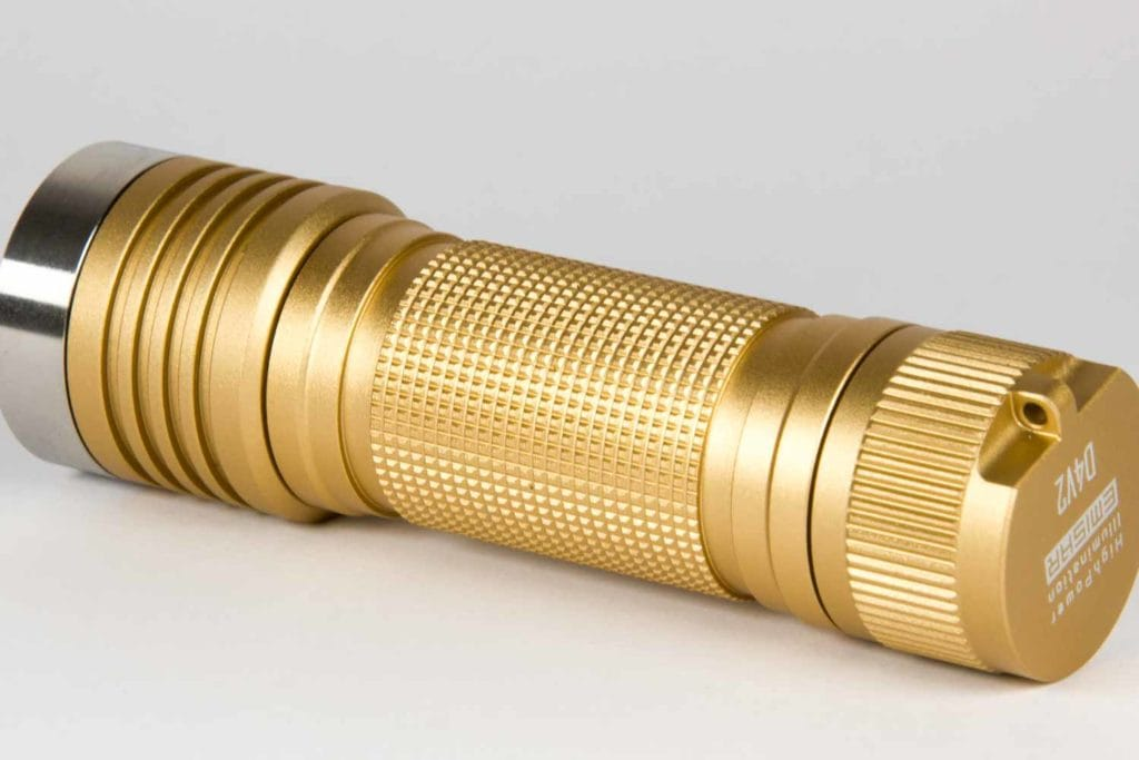 close up picture of the flashlight knurling