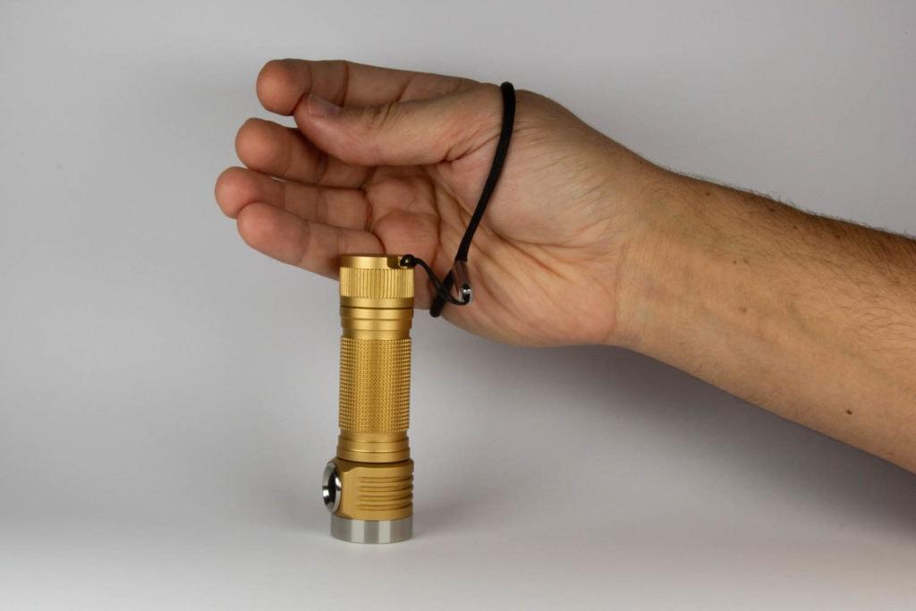 Lanyard strap for emisar flashlight