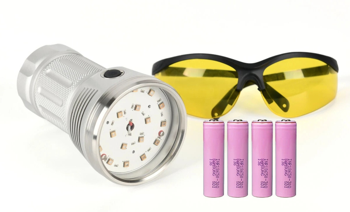 uvc flashlight with goggles and batteries